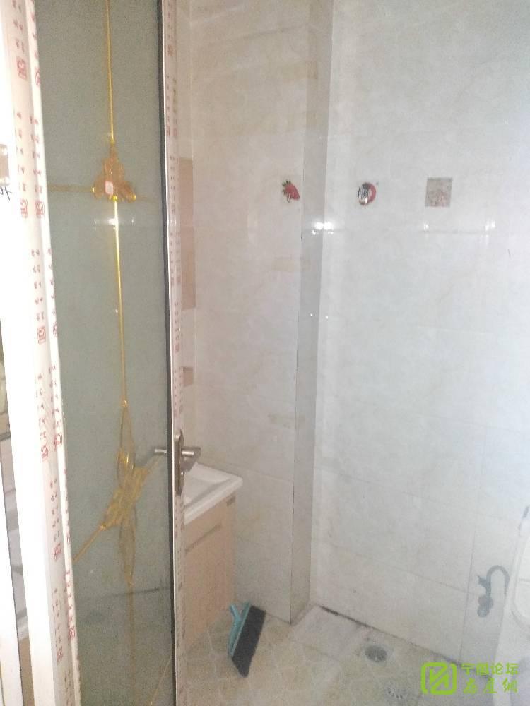 出租光彩城二期1007二楼,2室1厅1卫65平米800元/月住宅