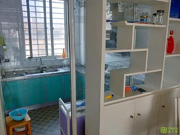 中鼎公寓 好小区 好停车 3楼三室一厅 家电齐全 拎包入住1300月