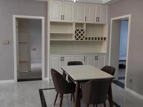 丰盛苑 1楼 有架空层 家电齐全 房型正 精装未住 单价低 房间清丝