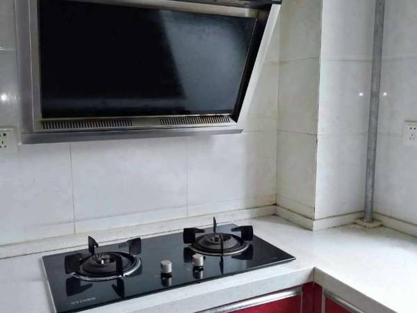 恒源景城5楼3室2厅家具家电齐全做饭洗澡上学方便随时看房