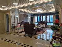 碧桂园一期266平大平层,电梯好楼层边套,户型正采光好装修花了80多万。