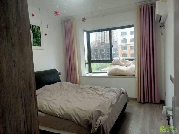 华贝广场,电梯三室,精装婚房,性价比高,户型超正,拎包入住