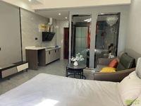 华贝城市广场 单身公寓 精装修 产证42平 一口价36.8万 有钥匙随时看