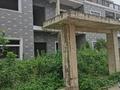 老宁中高中部旁别墅群,别墅出售,纯毛坯超大院子可以停车,采光好,证件齐全 随时看